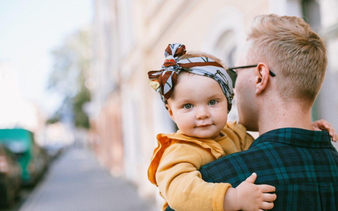 Otcovská dovolená: Jaká je její délka a kdy se vyplácí?