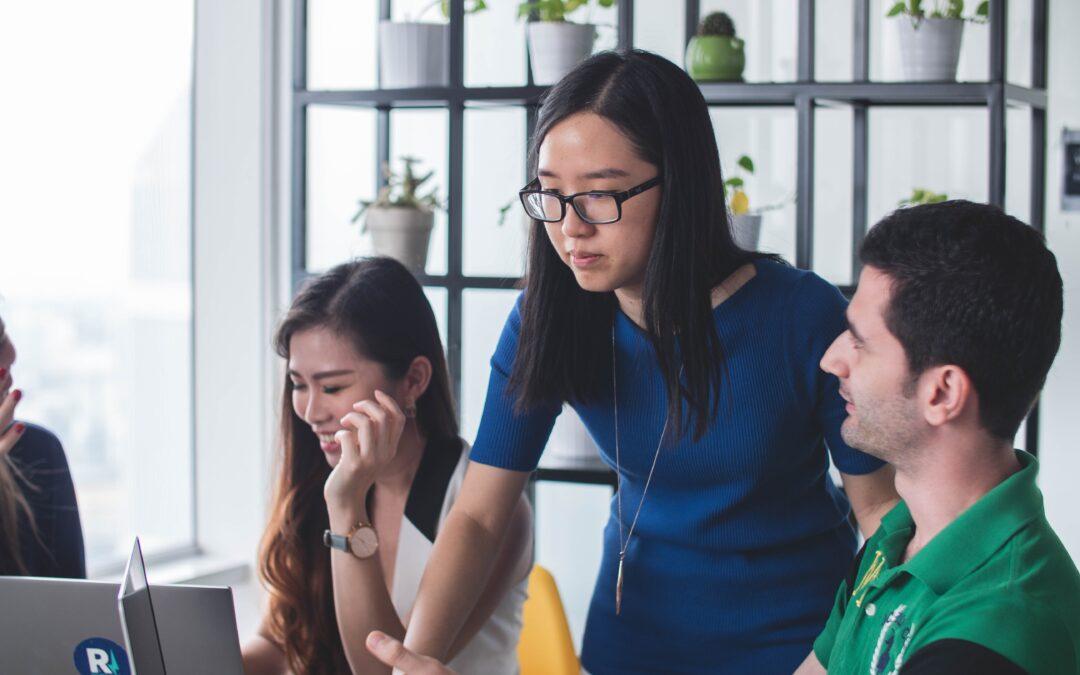 Jak se stát asistentkou: plat, náplň práce asistentky i vzdělání